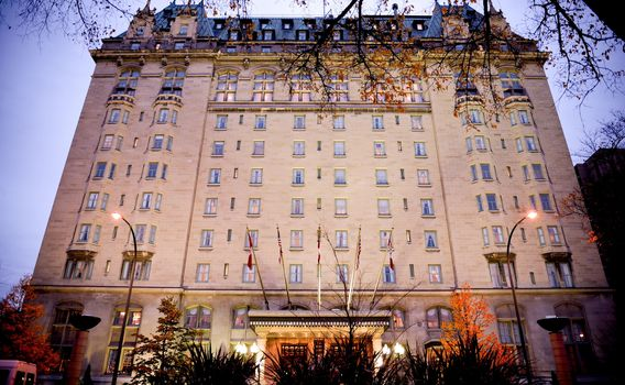 هتل فورت گری، وینیپگ (Fort Garry Hotel, Winnipeg)