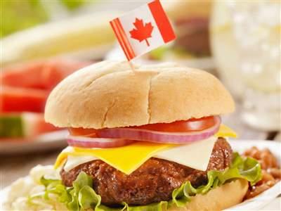 با بهترین و خوشمزه ترین غذاهای کانادا آشنا شوید